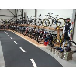 Fahrrad- Center Singer GmbH & Co. KG Innenansicht 1