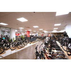 CUBE Store Rostock | operated by BIKE Market GmbH Innenansicht 2