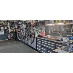 Zweiradfachgeschäft Max Weigl Innenansicht 3