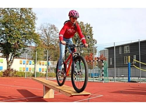 Burghauser Gymnasium fährt Mountainbike
