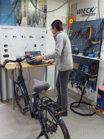 BOSCH e-Bike Service-Arbeitsplatz