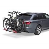 Am Fahrzeug mit Fahrräder