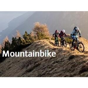 Nachhaltige Ausrüstung für die Biketour in den Bergen